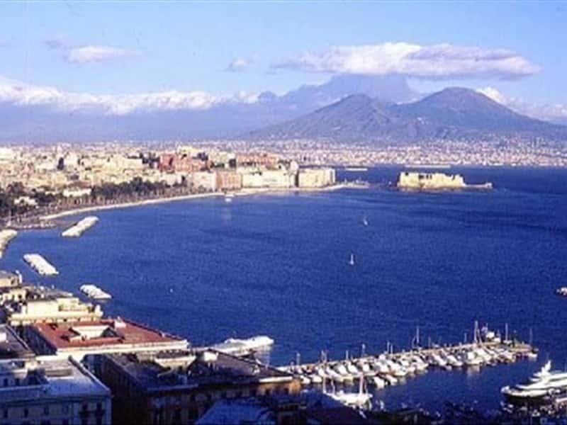 Napoli e il suo golfo Campania - Locali d Autore 76b2b0e287d45