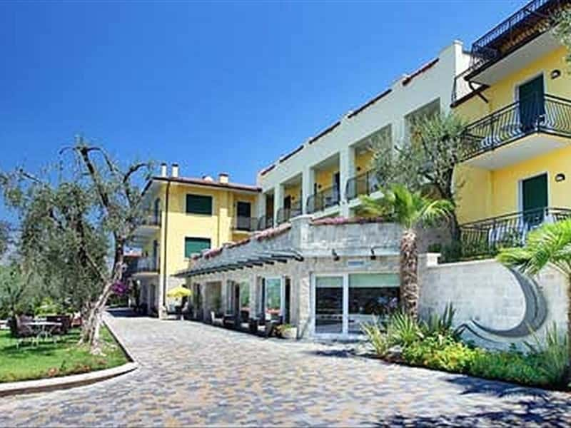 Casa barca wellness hotel veneto hotels accommodation in - Hotels in verona with swimming pool ...