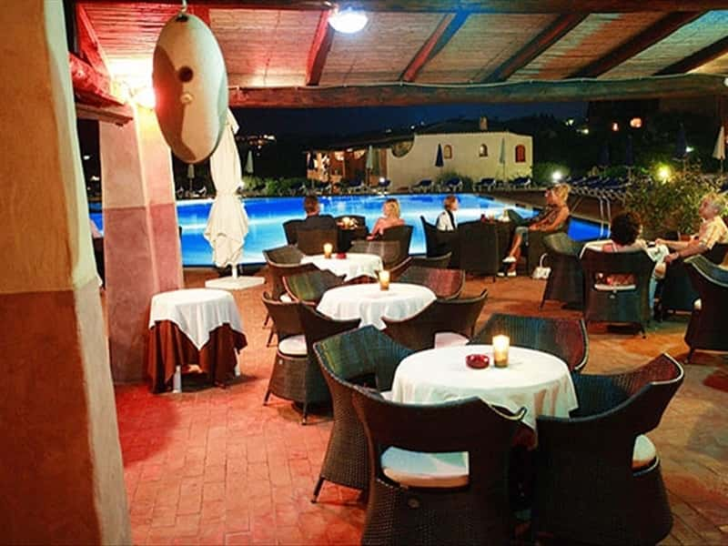 Bar Piscina Swimming Pool