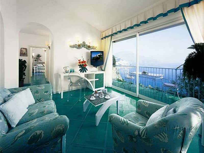 Sitting room honeymoon suite Follia Amalfitana